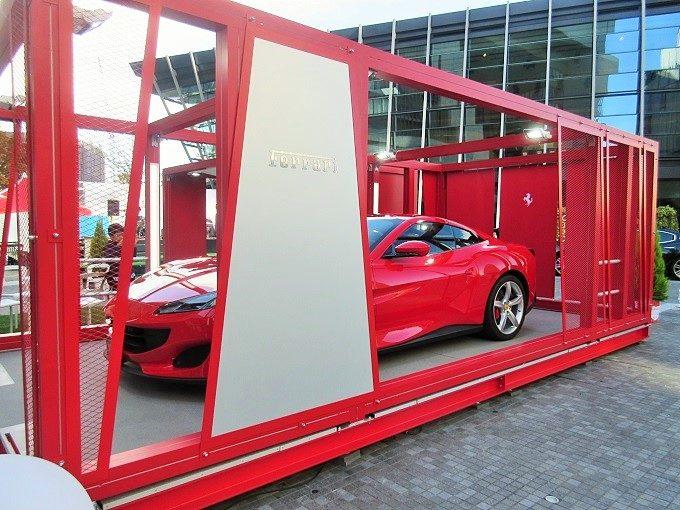 グランフロント前のフェラーリ